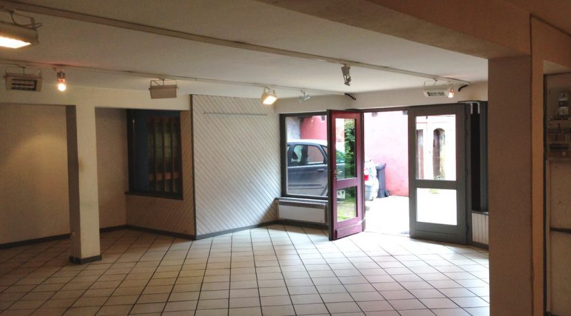 local-commercial-turckheim-68230 (3)